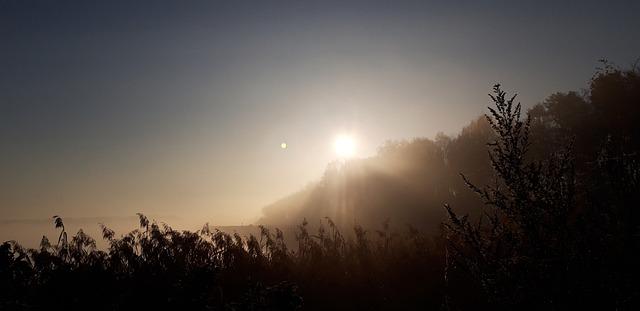 zachód słońca zimą na Śląsku, koło Katowic